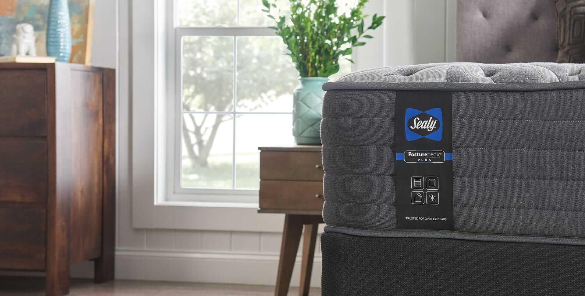 Sealy Posturepedic® Plus mattress photo